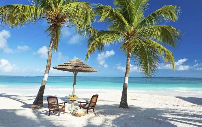 Pineapple Beach Club Boost