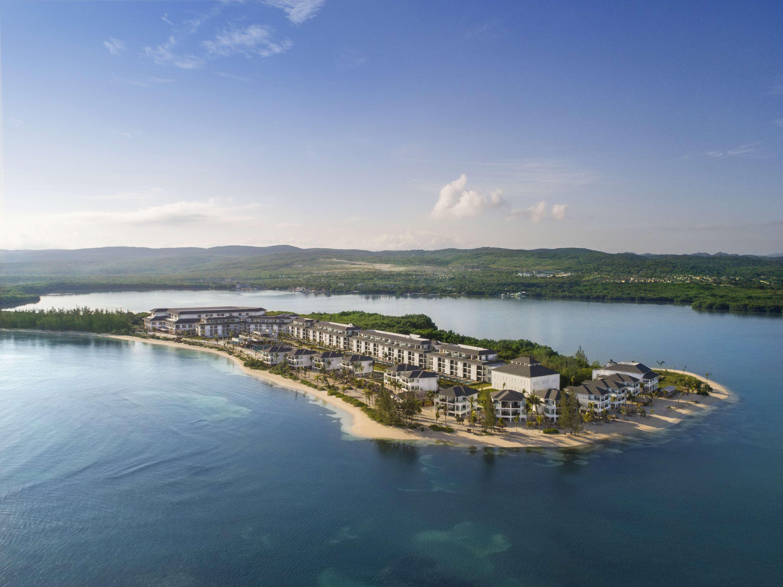 Jamaica: Luxury Adult-Only All-Inc Suite Escape inc. Return Premium Flights, Oceanfront Upgrade + Spa Extras- Save 46%