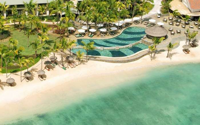 4 Star Mauritius beachfront escape w/FREE Room Upgrade - Save 47%