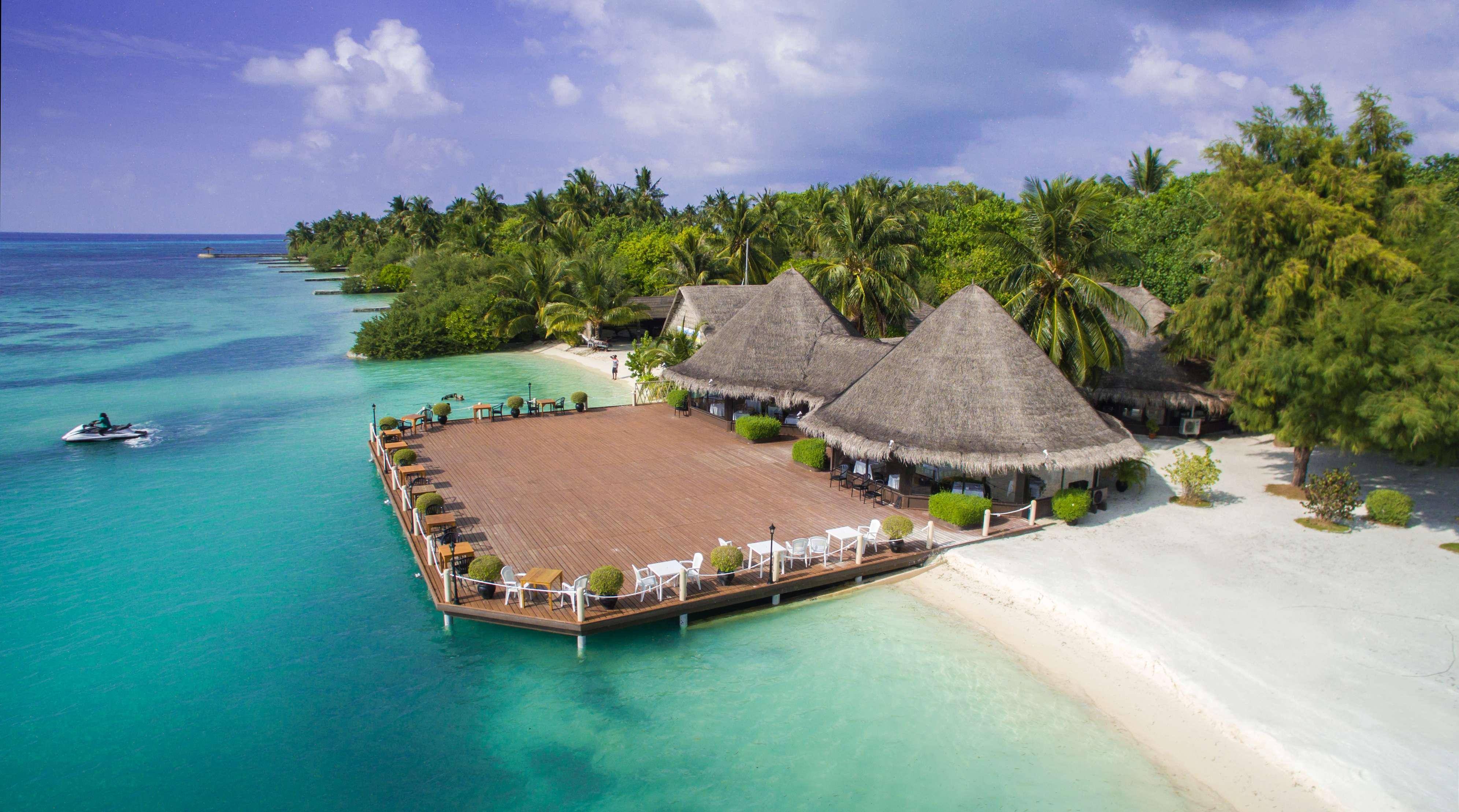 Maldives: 4-Star All-Inc Retreat w/Speedboat Transfers - Save 30%