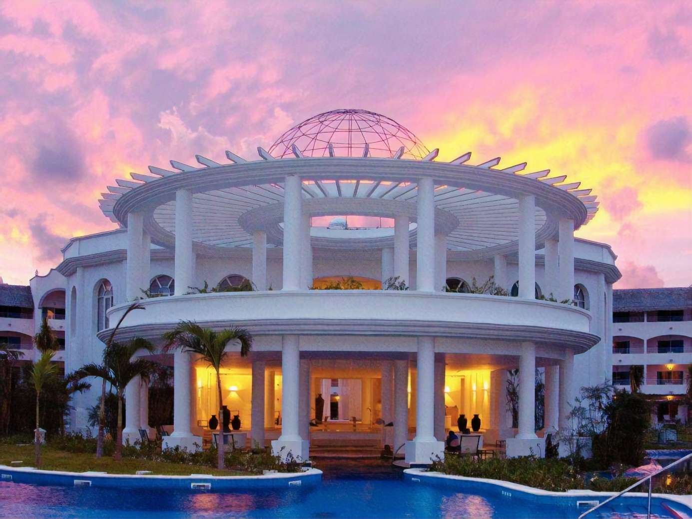 Mexico: Luxury All-Inc Excellence Escape w/Exclusive Suite Upgrades - Save 47%