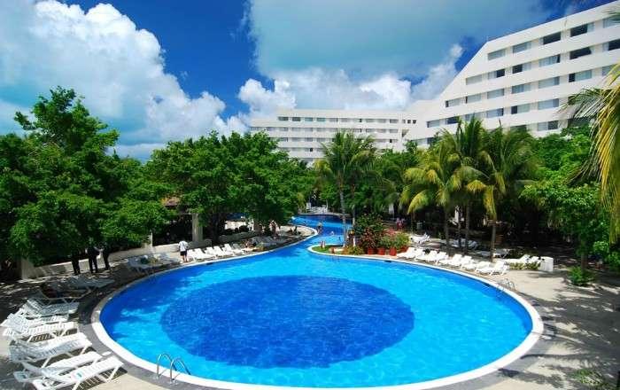 Oasis Palm, Cancún, Mexico
